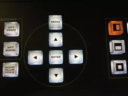 """摄像机左侧""""setting""""按钮后按""""mode""""按钮设置输出分辨率,帧速率和视角图片"""