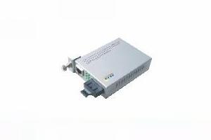 10/100/1000Mbps光纤收发器